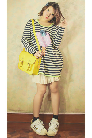 beige Vanilla Pop sweater - yellow Glam-Rock Manila bag - black Forever 21 socks
