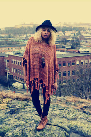 H&amp;M boots - Stradivarius hat - GINA TRICOT tights - GINA TRICOT cape - H&amp;M neckl