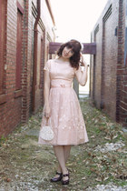 ivory half hat hat - light pink 50s dress dress - ivory handbag bag
