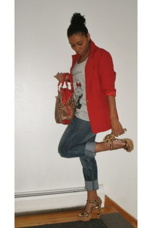 Blue jeans - red vintage blazer - heather gray materialistic chic heel shirt
