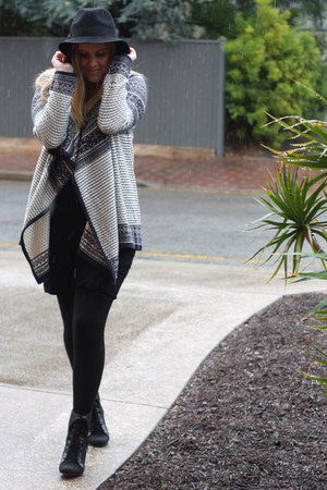 black asos boots - black Witchery dress - black asos hat - blue asos cardigan
