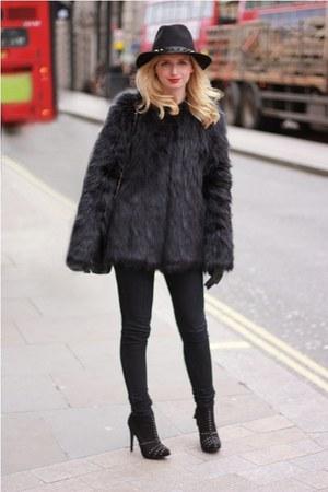 black studs Zara boots - black fur Pepe Jean coat - black Primark jeans