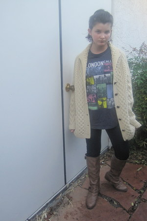 cream vintage sweater - light brown Target boots - Vintage tee t-shirt