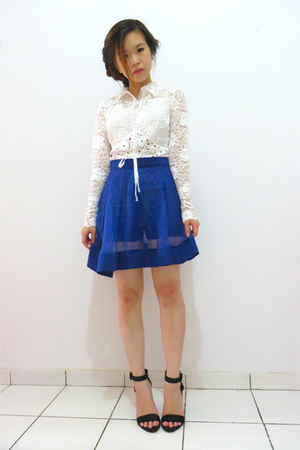 white lace Sagaie top - blue sheer skirt - black Zara heels