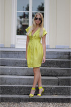 Primark dress - Pimkie sunglasses - H&M sandals