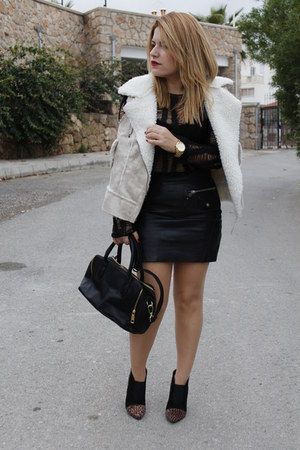 black leather Mango skirt - black Mango sweater - black faux leather H&M bag