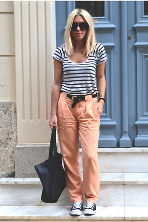 light orange salmon pants Zara pants - black H&M bag - navy Zara top