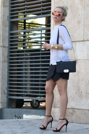 white mesh knitwear Zara top - black chain cross bag PERSUNMALL bag
