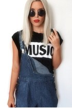 favordealcom ring - dungaree Motel Rocks shorts - asos sunglasses