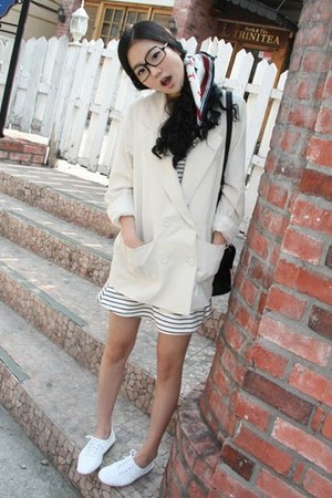 Forever21 dress - beige 4 chi blazer - silk Puffy scarf