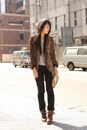 neutral Zara bag - brown random from Hong Kong boots - black Forever 21 jeans