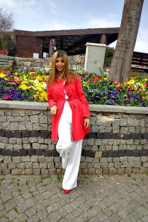red Tesco F&amp;F coat - red Zara heels - white H&amp;M pants