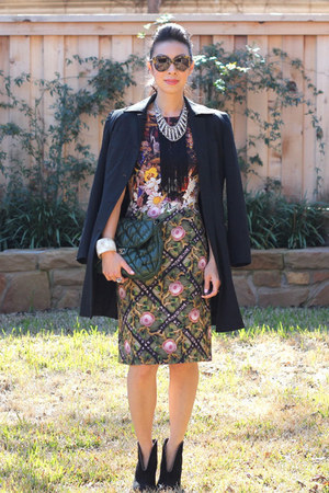Mary Katrantzou dress - Bottega Veneta boots - Express jacket - Chanel bag