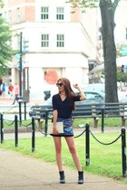 black leather asos boots - clutch bcbg max azria bag - zeroUV sunglasses