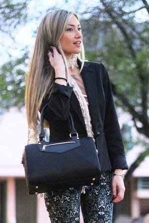 Accessorize scarf - Mango blazer - Formula pants