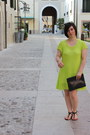 Chartreuse-stella-zwieb-dress-black-vintage-purse