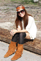 beige Millau top - blue Urban Renewal shorts - brown Minnetonka boots - black LF