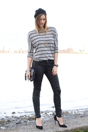 black Current Elliot jeans - heather gray Prvilege top - black Zara heels