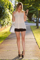 white Zara bag - black Zara shorts - black Zara heels - peach Forever 21 top