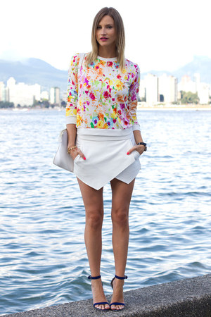 pink floral print Choies top - white Zara skirt - blue Guess heels