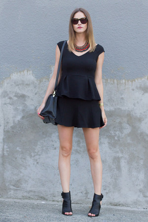 black peplum H&M top - black vince heels