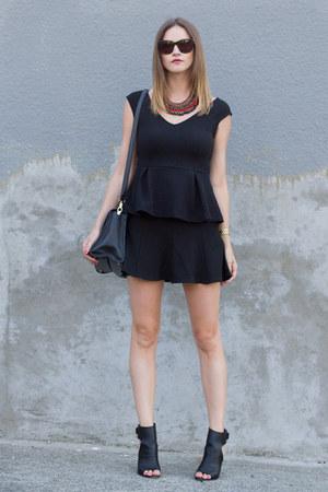 black peplum H&M top - black vince heels