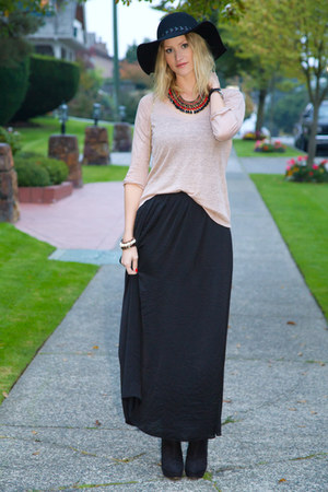 black Zara hat - beige Zara sweater - black Zara skirt