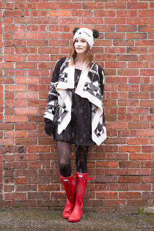 red Hunter boots - black inlovewithfashion dress