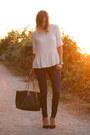 Navy-paige-jeans-eggshell-zara-top-black-zara-heels