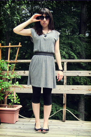 heather gray Forever 21 dress - black lace-trim SO leggings - black American Eag