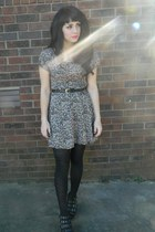 light pink floral vintage dress - black tights - black heart cut out belt