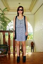 Forever 21 dress - Forever 21 shoes - Mango vest - purse