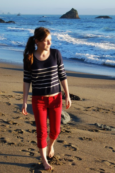 H&M sweater - red Forever 21 pants