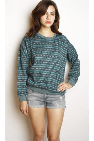 Swaychiccom sweater