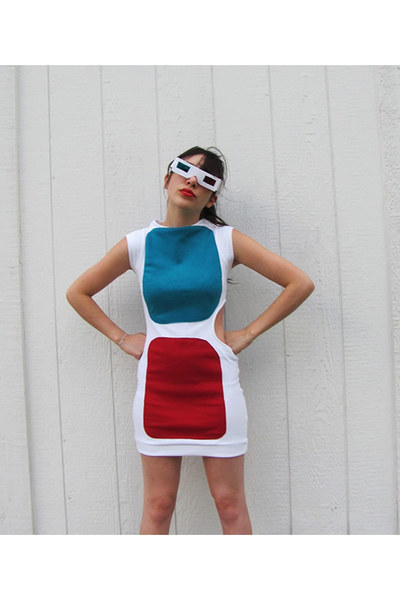 3D glasses dress!