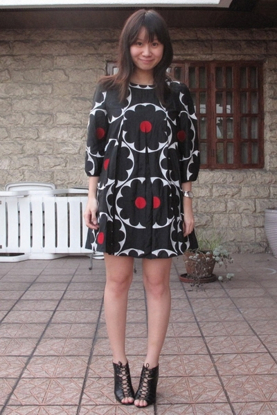 black Vivienne Tam dress - black Renegade Folks shoes