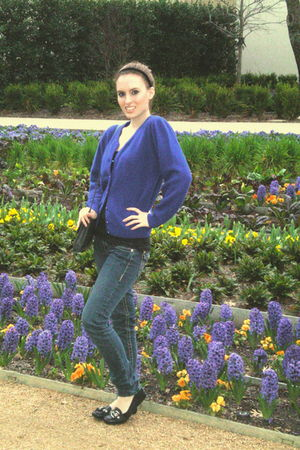 blue vintage sweater - Cherish jeans - vintage accessories - BCBGparis shoes