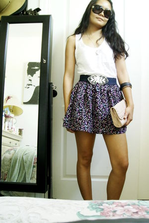 floral skirt - white Forever 21 top - beige Forever 21 clutch - blue Forever 21