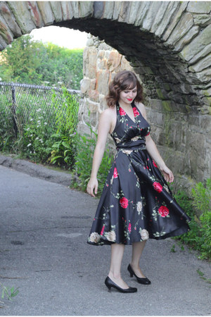 black Dixiefried by Pinup Couture dress - black Mudd heels