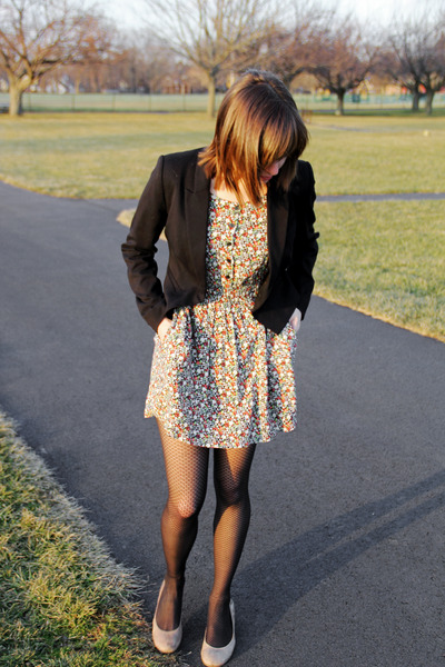black thrifted floral H&M dress - black H&M blazer