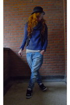 blue Only sweater - sky blue Only jeans - black striped DC sneakers