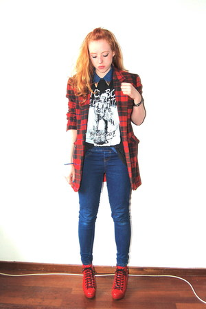 black vintage shirt - navy denim new look shirt - ruby red tartan vintage coat