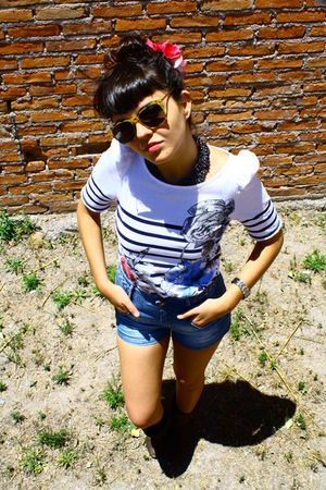 white Bershka shirt - blue Zara shorts - gold glasses