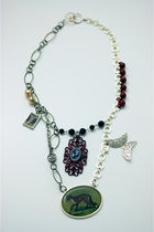 Green-tarnishjewels-necklace