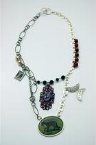 Green-tarnishjewels-necklace