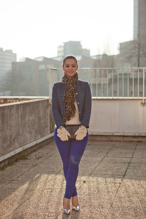 Zara shoes - blue blazer Zara blazer - lopard tole Louis Vuitton scarf