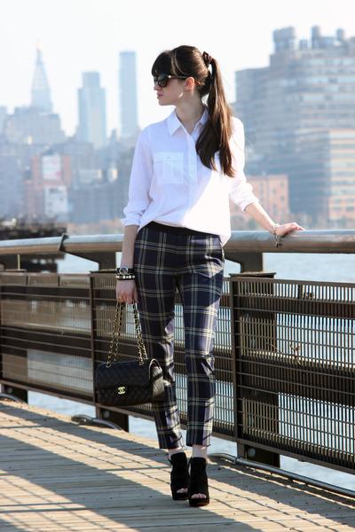 Chanel bag - vera wang heels - Juicy Couture pants