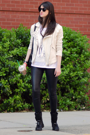 Mango jacket - Zara boots - Guess leggings - Zara t-shirt
