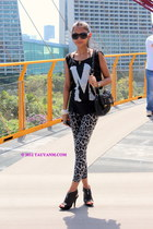 black bag - white snake-skin leggings - black sunglasses - black heels