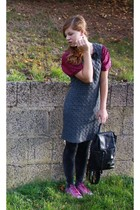 vintage tights - vintage t-shirt - secondhan dress